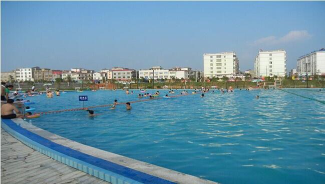 都昌東方明珠室外大型遊泳池竣工圖片
